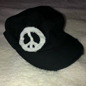 Accessories - Black with white peace sign baseball hat